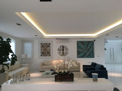 Photo for Luxury mansion with 6 suites, 2 jacuzzis, lap pool in Jurerê Intern.