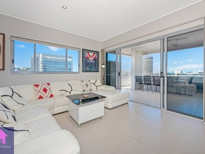 Photo for Luxury living in Townsville CBD Strand Apartment