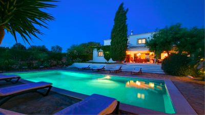 Photo for Luxury villa with private heated pool and sauna, near Albufeira and Guia.
