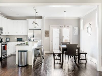 Photo for Stylish Modern Home Close to Downtown Nashville