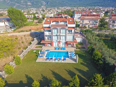 Photo for Stunning 3 Bedroom 3 Bathroom Apartment With Free WIFI