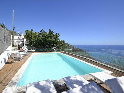 Photo for Villa Serenatella Grande: A splendid and luminous villa built on the sloping cliff in front of the sea, with Free WI-FI.