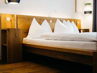 "Photo for Double room ""regular"" - non refundable rate - arthotel Blaue Gans"