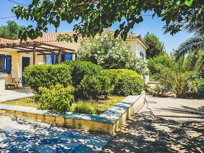 Photo for Tranquil Classic Villa With Lush Garden And View