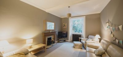 Photo for Beautiful 3 Bedroom Georgian Townhouse With Parking