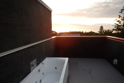 Outdoor Spa Bath for two... very romantic!