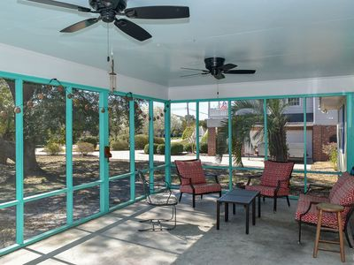 Photo for PET FRIENDLY 4 bedroom 2 1/2 Bath House. Sleeps 10. Close to beach! Fenced area.