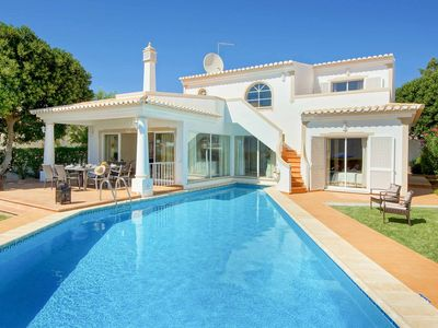 Photo for Villa Adele -detached villa near beach & shops, with pool, A/C, Wi-Fi & pingpong