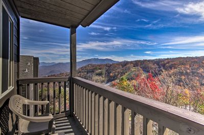 Your Tennessee retreat awaits at this 3-bedroom, 2-bath vacation rental condo.