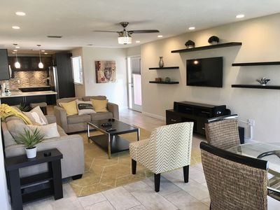 UV Ozone Sanitized  - 2020 Professionally Decorated - Across street from Beach