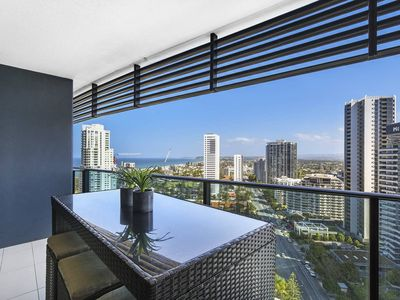 Photo for Gorgeous, modern 2 bed 1 bath apartment with amazing view.