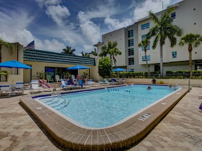 """Photo for Paradise! Updated 2BD/2BT On the Beach """" FALL SPECIAL  OCT.31-DECEMBER 31""""!!!"""