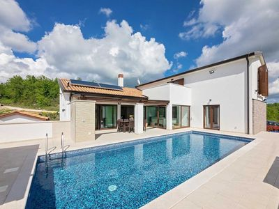 Photo for Holiday house Gracisce for 6 - 8 persons with 3 bedrooms - Villa