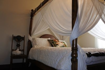 Romantic 4 Poster Bed