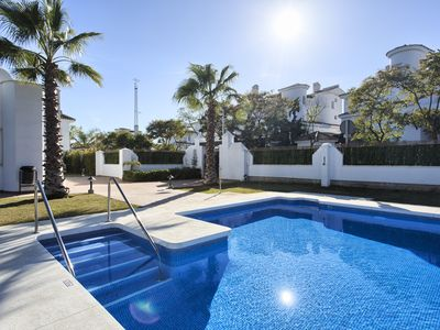 Photo for Contemporary 2 bed apartment in Puerto Banus (22)