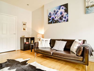 Photo for Bright Royal Mile Apartment