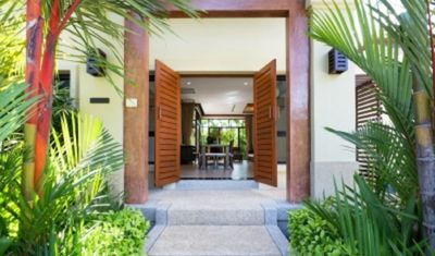 Photo for A Specious 1 Bedroom Canal Villa