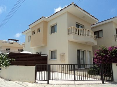 Photo for Detached Villa With Private Pool Close To All Amenities - WiFi included
