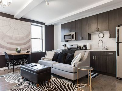 Photo for Midnight Magnolia - Modern + Safe 1BDR in Downtown