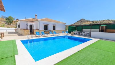 Photo for Holiday villa in a secluded area of the Guadalhorce Valley