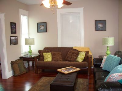 Living room with comfortable Futon for 2 guests