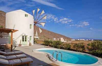Photo for 2BR Villa Vacation Rental in Fira, Santorini