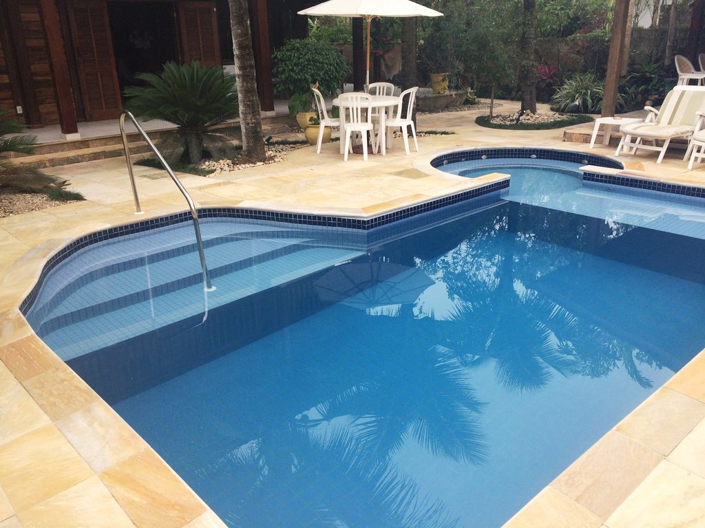 Swimming Pool Air Conditioning : Comfortable house private swimming pool air