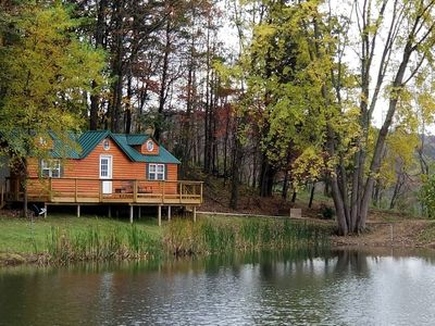 Hocking Hills-Pet friendly cabin with private pond