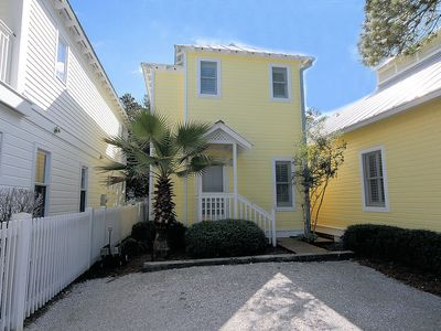 "Photo for In Seaside Proper ""Moonlight Hug"" spacious 1BR- Sleeps 4!"