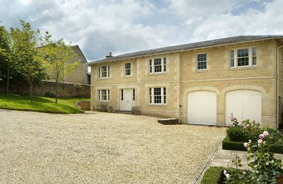 Photo for Le Manoir Cottage is in a quiet village with uninterrupted country views over the Windrush Valley.