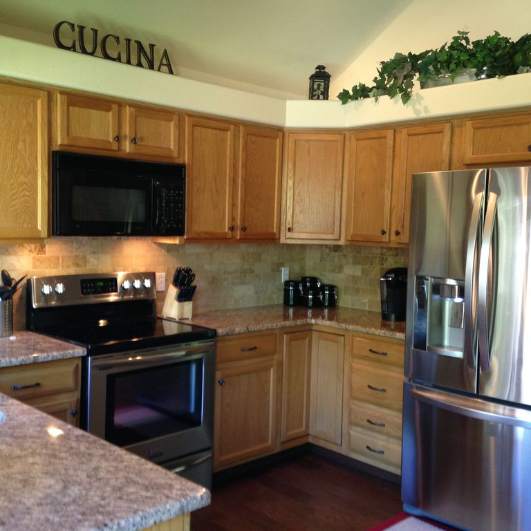 Kitchen Appliances Colorado Springs: Close In, Updated Home Located In The Heart Of Colorado