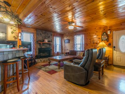 Deluxe Family Cabin | 3 BR 2BA | Hot Tub | Walk to Trout Pond | Secluded | Pets