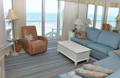 Photo for Beautifully Decorated 3 Bedroom Oceanfront Condo