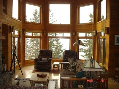 Bay Window with Recliners