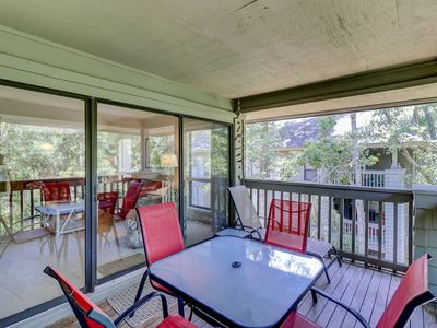 Photo for NEW LISTING! Spacious condo w/ shared pool and full kitchen! Golf on-site