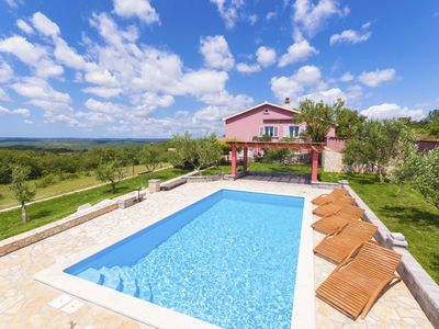 Photo for Spectacular view, private pool, near the beach