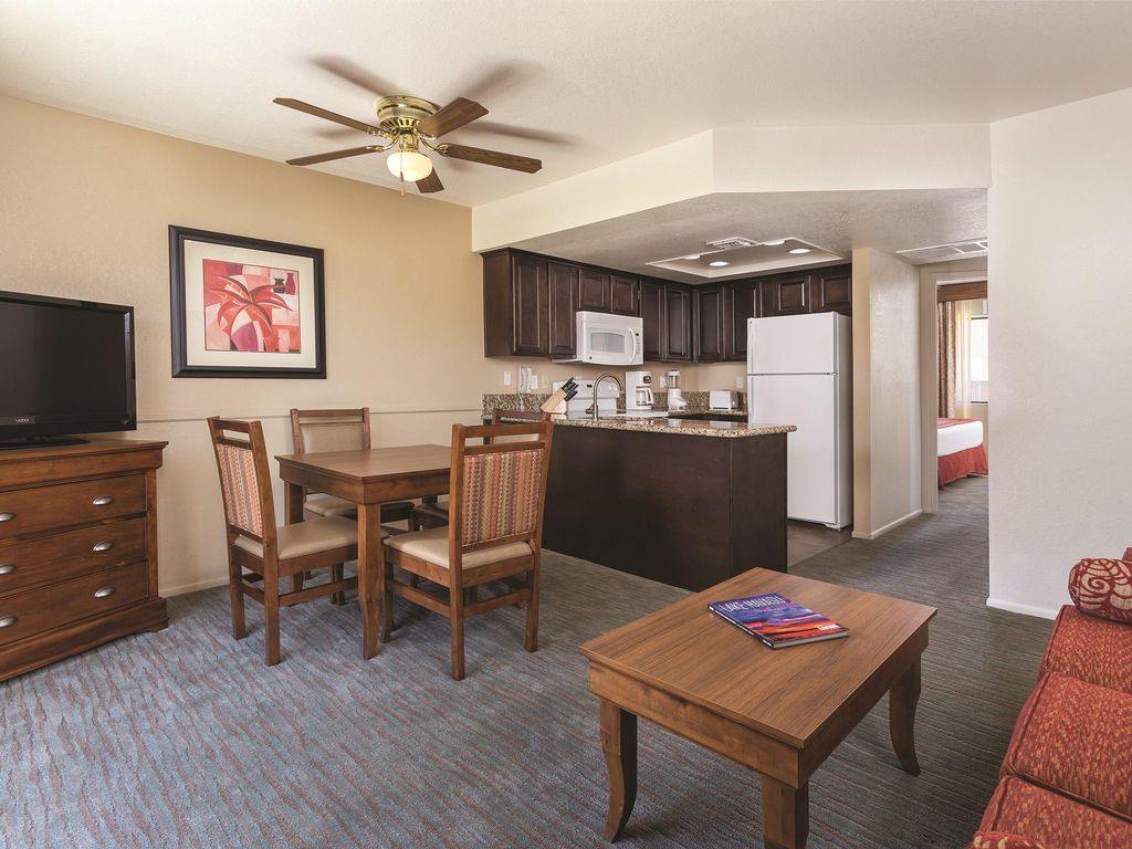 Near Lake Havasu, 1BR w/Whirlpool Tub at To... - HomeAway