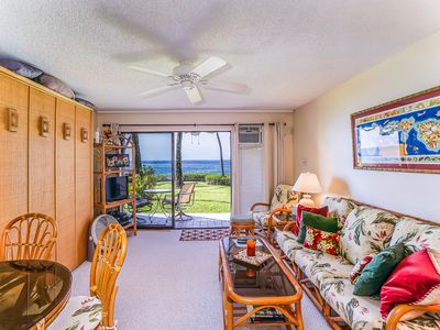 Photo for Condo perfect for couples - oceanfront w/ private lanai at Kona Isle