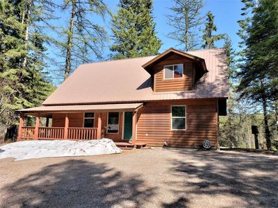 Photo for Beautiful 2 BR 2 Bath on Duck Lake, Minutes from Glacier and Whitefish, Sleeps 6