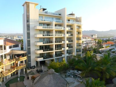 Coveted Bayview Suites Tower w/ 2 masters and jacuzzi view deck