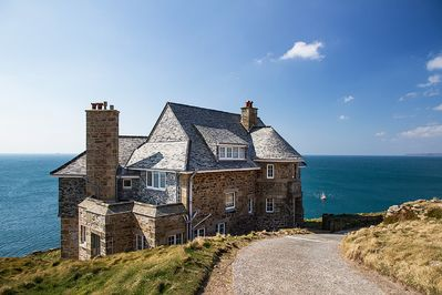 Iconic Rinsey Head with the best views in West Cornwall!