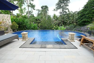 front pool view