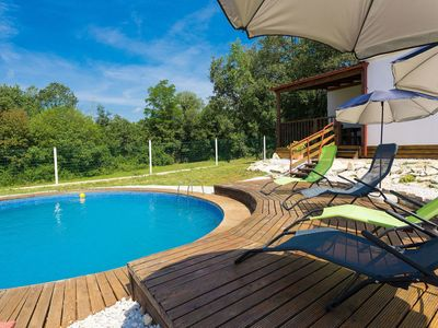 Photo for Nice apartment for 5 guests with private pool, A/C, WIFI, TV and parking