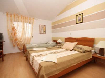 Photo for Two bedroom apartment with air-conditioning Ivan Dolac (Hvar)
