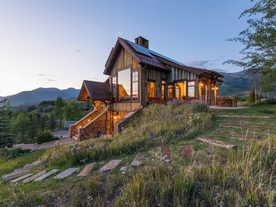 Photo for Gorgeous Luxury Home with 360 Views, Private Hot Tub, on Golf Course: Knoll Top Retreat