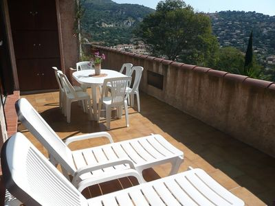 Photo for BORMES LES MIMOSAS - SEA VIEW in a quiet and green setting. 2 ROOMS 4 PERS.