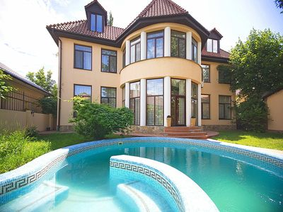 Photo for Luxurious private villa with 8 bedrooms.