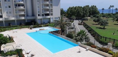 Photo for Juan Les Pins: Apartment 2 pcs in Residence with swimming pool 100 meters from the sea with direct access.