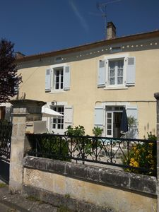 Photo for Pretty traditional riverside cottage in a lovely hamlet in the historic Dordogne