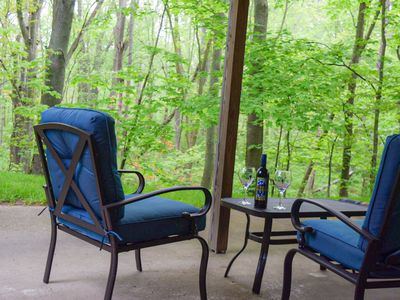 Photo for Woodland Retreat  2 bed 1 bath  deluxe suite with private entry and patio
